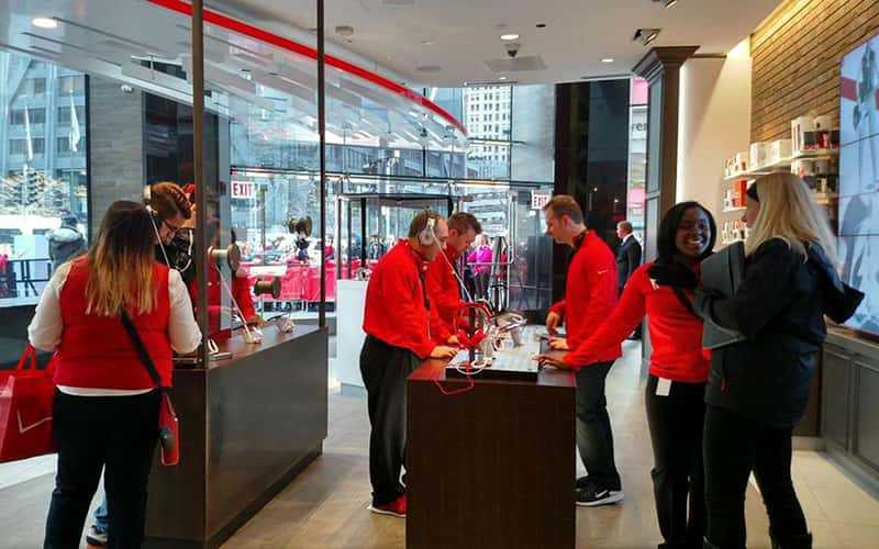 Verizon Chicago Destination Store wins Verizon Association Retail Environments Award.