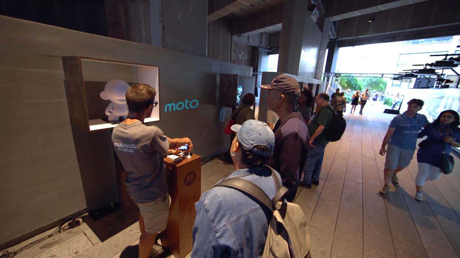 Moto Z Highline 2016 LIttle White Man Booth