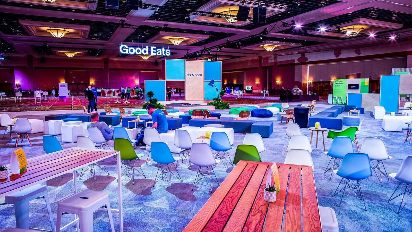 The top seller summit floor is ready to go at Ebay open!