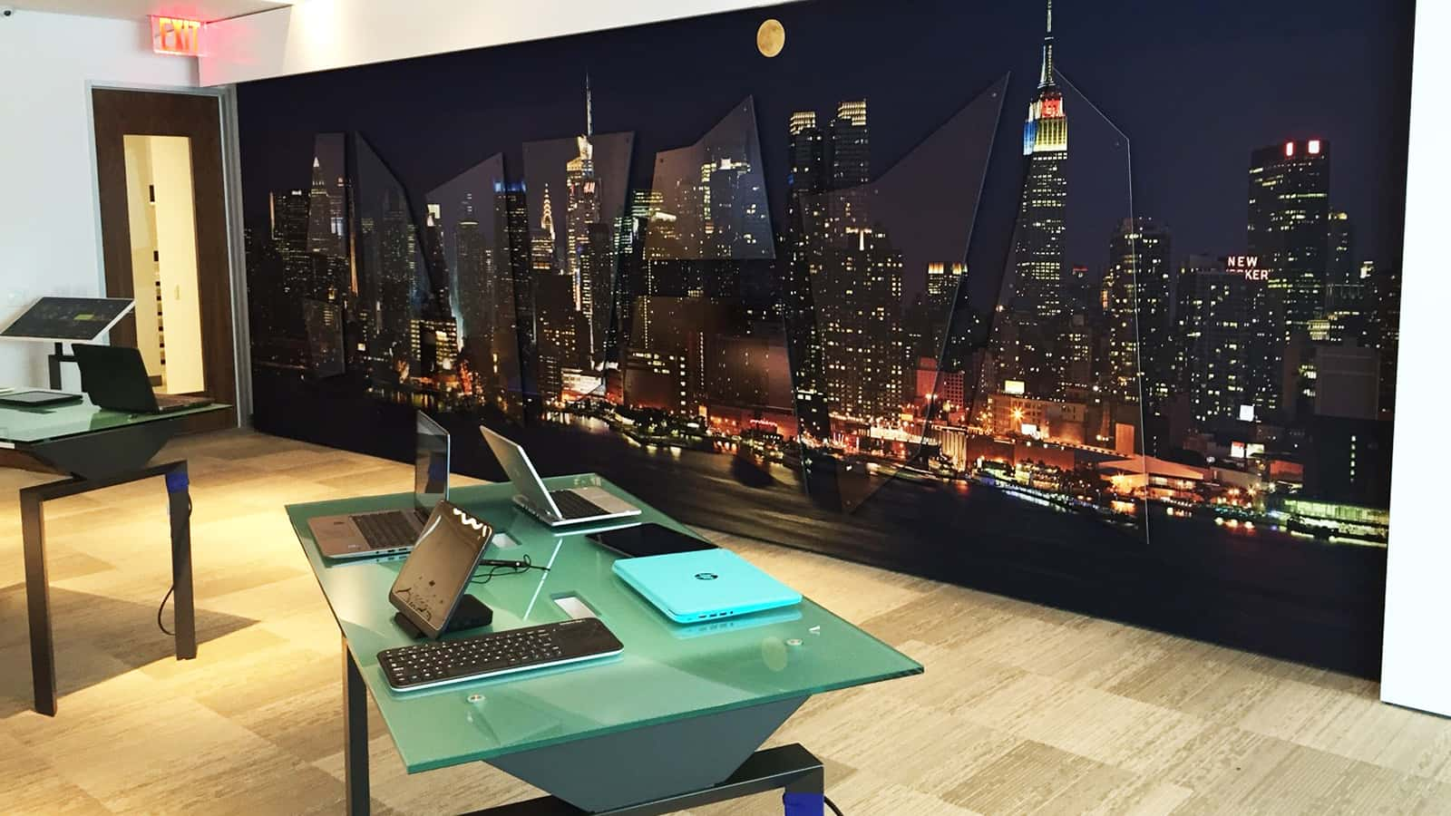 New York skyline wall relief at the HPE Customer Engagement Center in New York City.